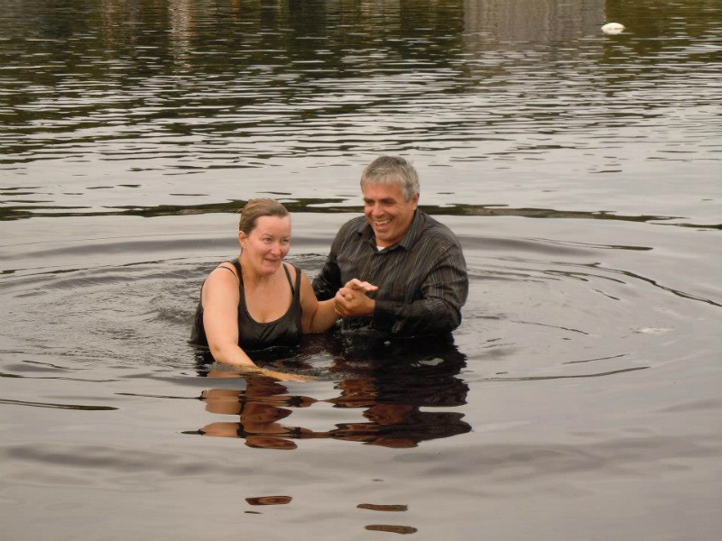 baptism-in-dingwall-harbour-pauline